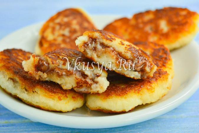 Пирожки из тостового хлеба с шоколадом