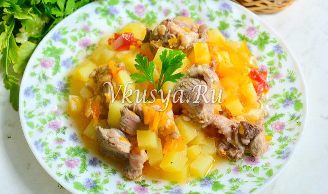 Картошка со свининой тушеная