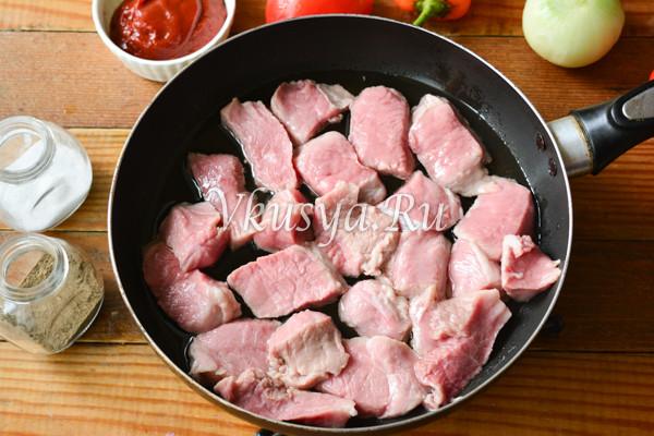 Свинина тушеная с овощами-4